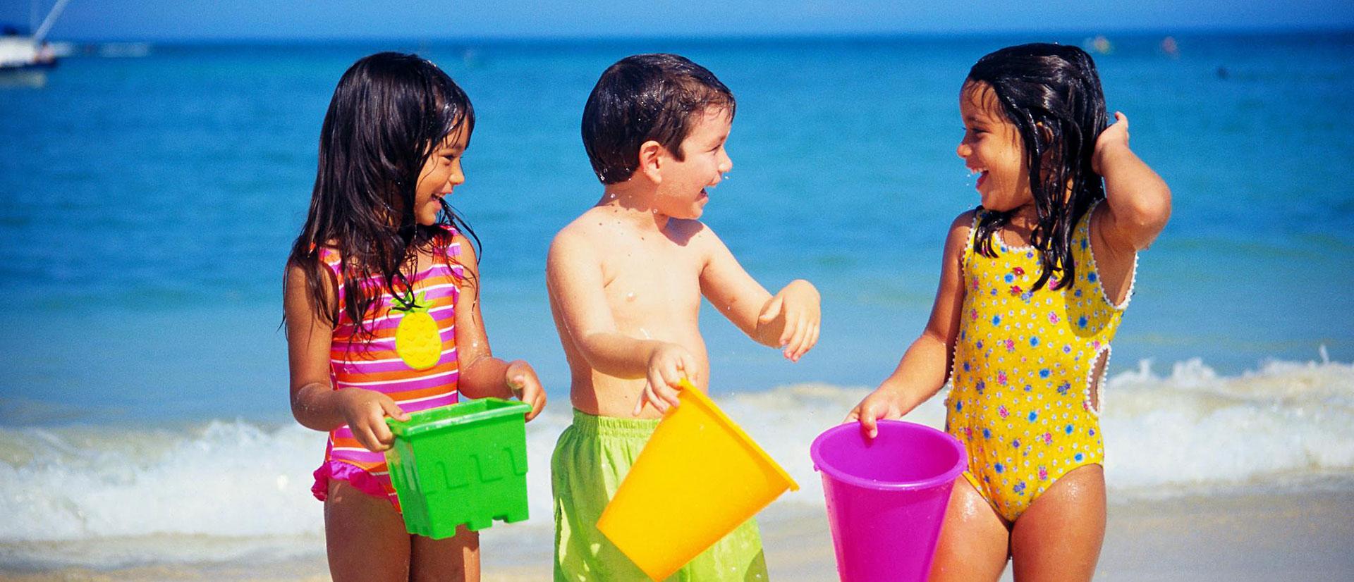 hotel-jesolo-bambini-in-spiaggia